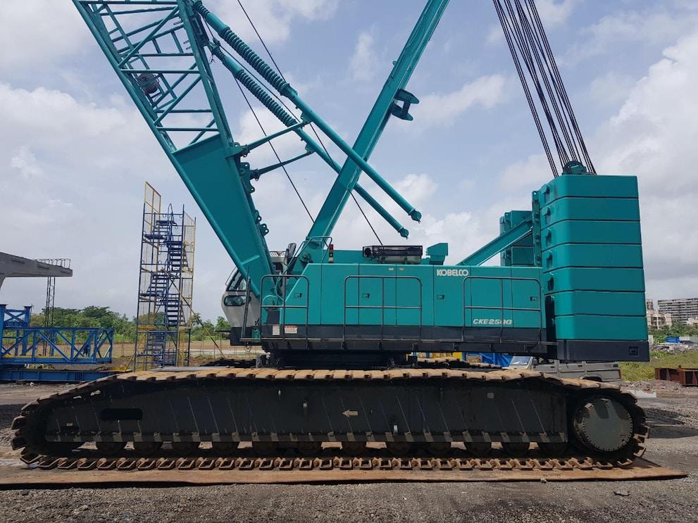 2009 Kobelco CKE 2500 II 1